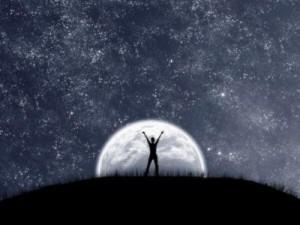 Vise la lune, tu atteindras les étoiles